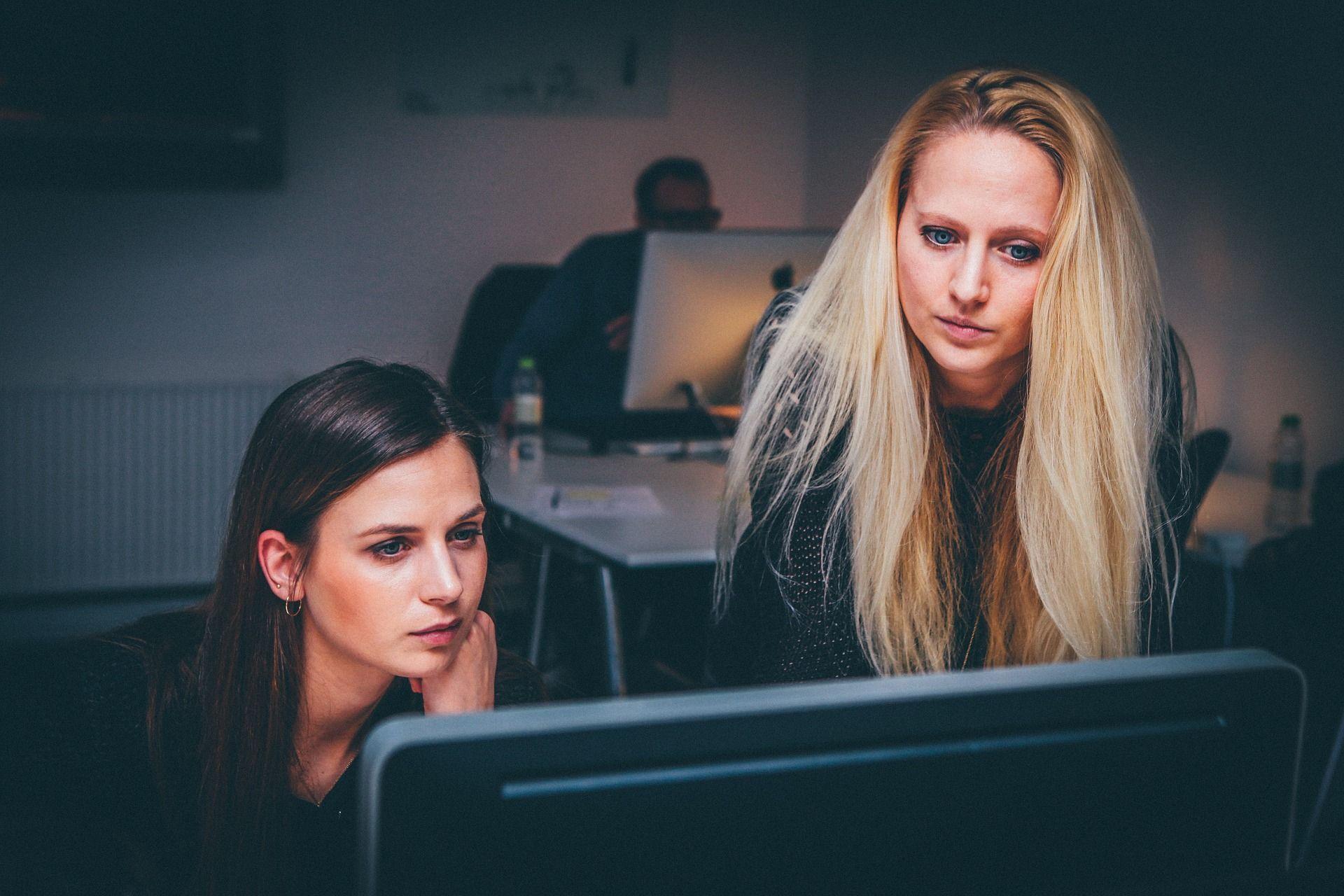 中小企業の働き方改革は「ペーパーレス化」から始めよ