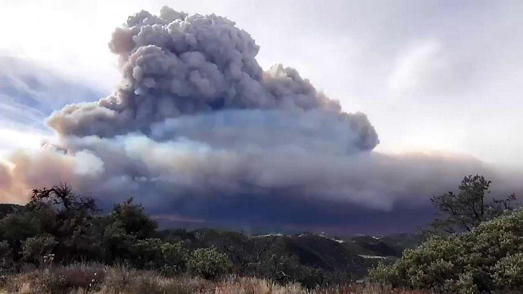 米カリフォルニア州山火事 消火できたのは4分の1のみ