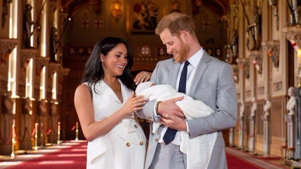 「夢のよう」 赤ちゃんお披露目の英王子夫妻