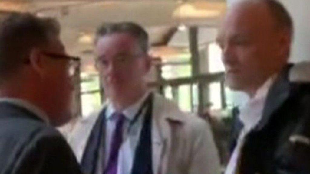 「殺害予告を受けた」、英野党議員が首相顧問を詰問 ブレグジット情勢