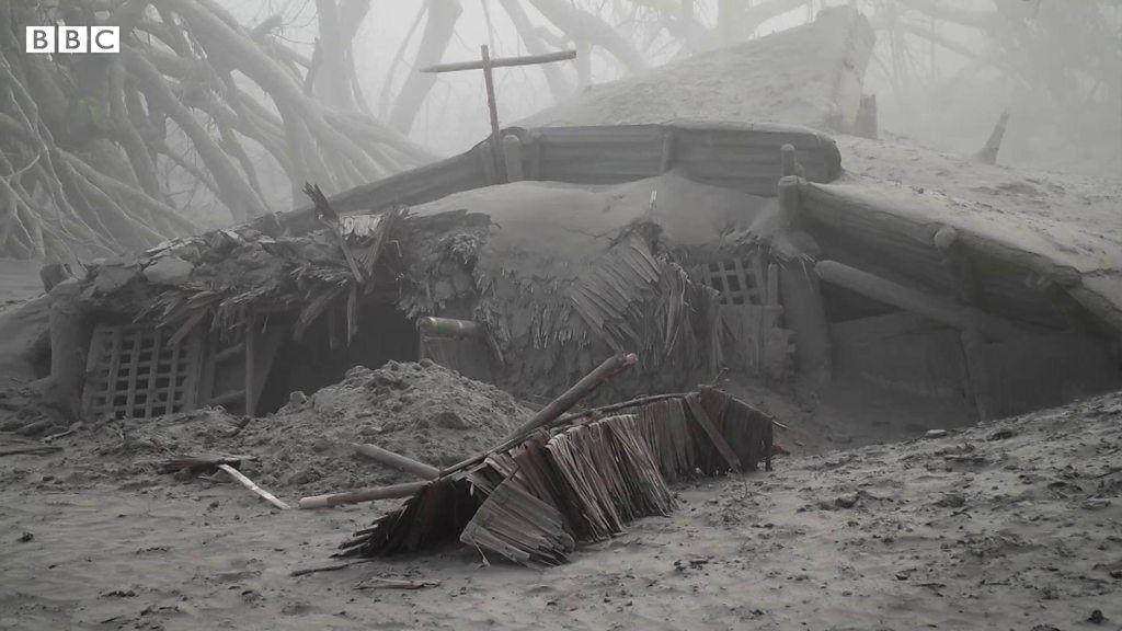 すっかり灰に覆われ……フィリピン・タール火山噴火、被害地域は今