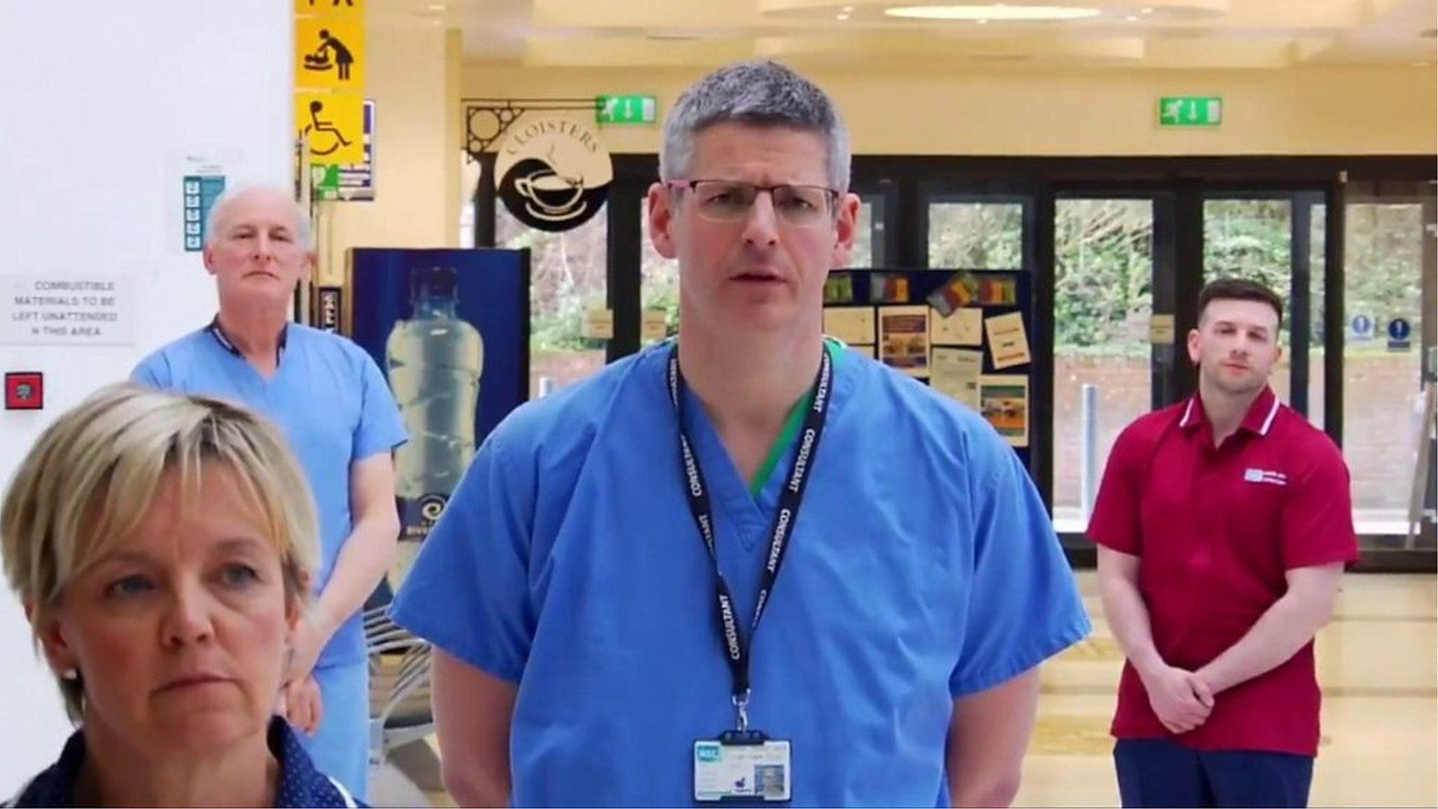 命を救うため「家から出ないで」 イギリスの医師ら、動画で呼びかけ