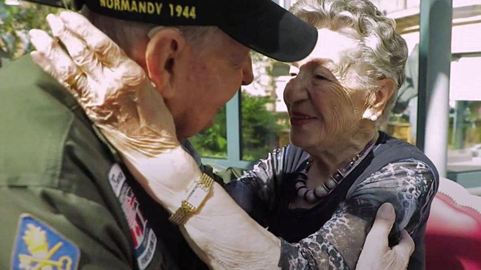 第2次大戦下の恋人、75年ぶりに再会 ジャーナリストが居場所を突き止める
