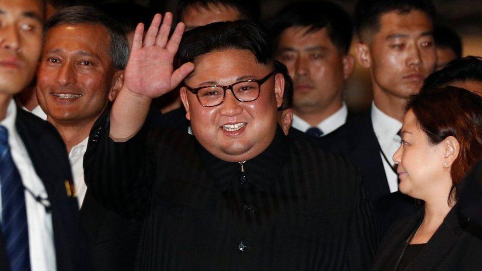 「ミスター・キム、大好きです!」 シンガポール名所めぐりの金委員長に