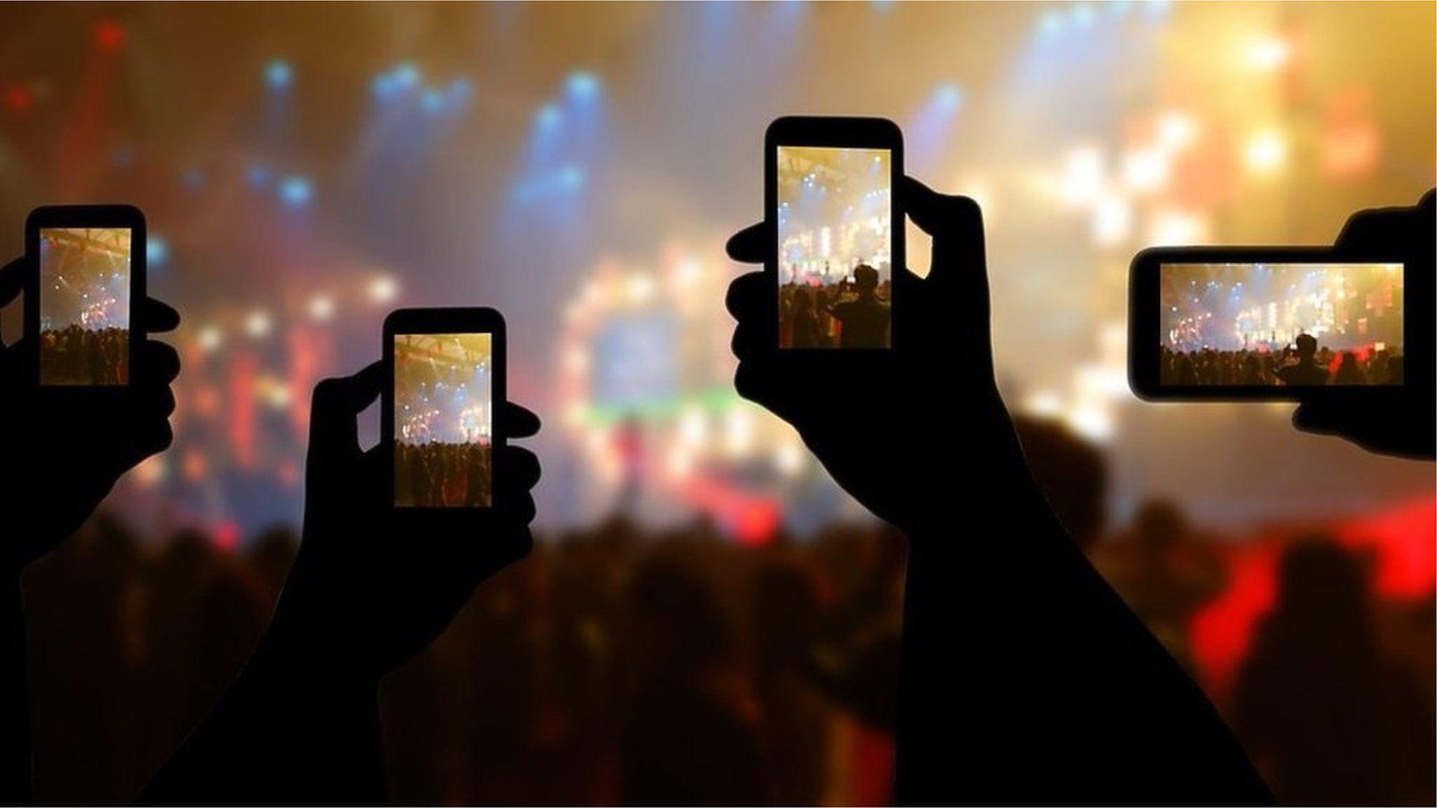 世界的映画監督ベンダース氏、「携帯電話による写真撮影」について力説