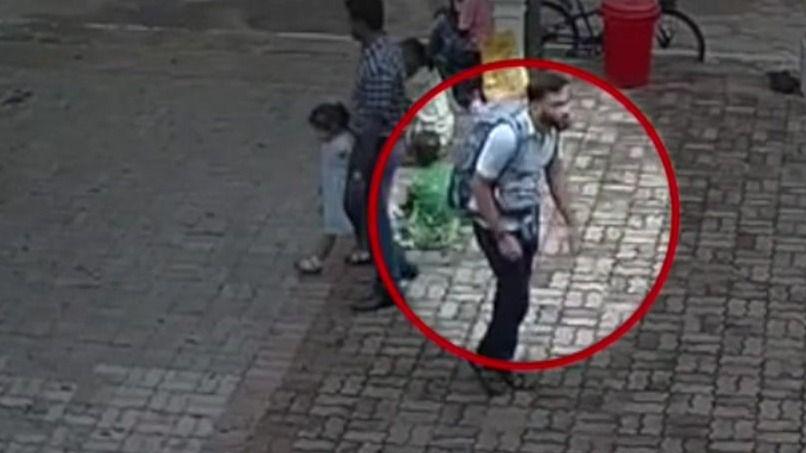 スリランカの教会爆破、実行犯か 男が教会に入る映像