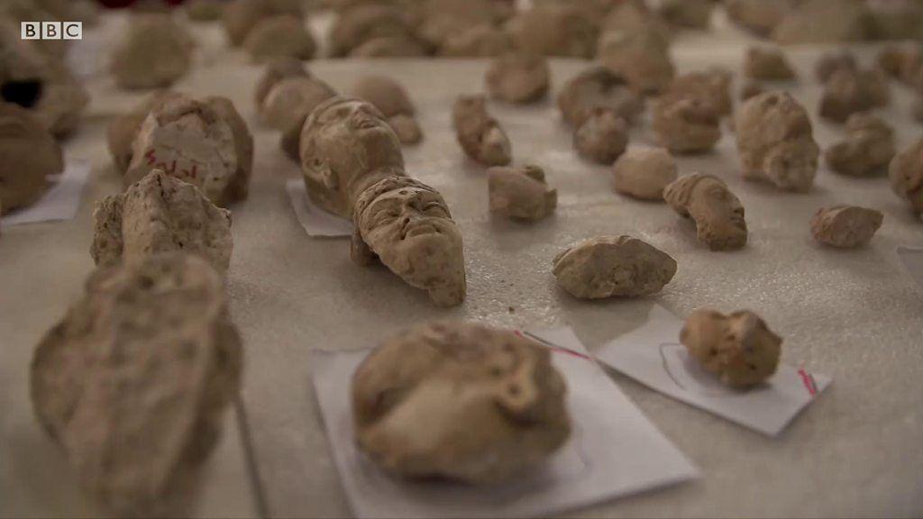 タリバン破壊の仏像群を修復、7000個の欠片から アフガニスタン