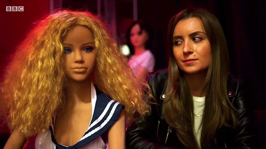 人形を使った売春宿は流行するのか イタリアで取材