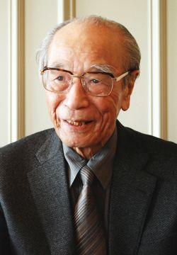 木田元氏/前田せいめい撮影